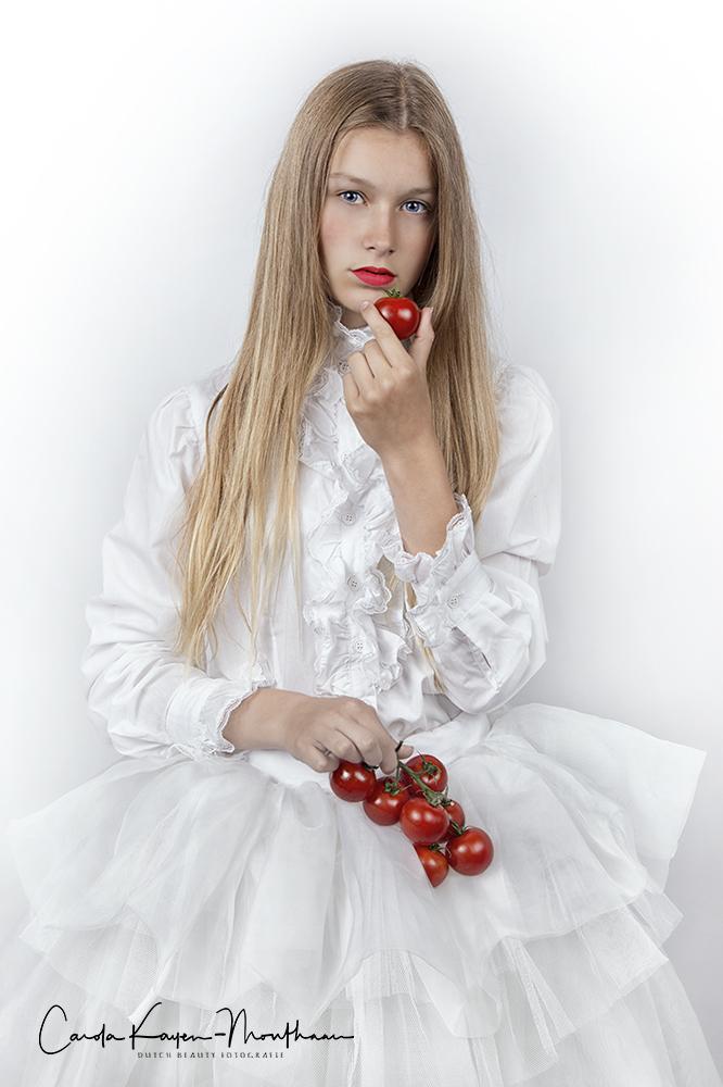 Tomato girl art