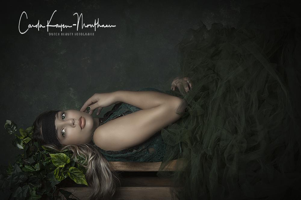 Lady in green art